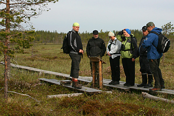 Hikers on the Järviaapa Trail. Photo: Juha Paso