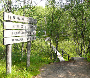Sign posts in Sámi language. Photo: Pasi Nivasalo