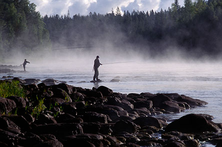 Fishermen at the Siikakoski rapids. Photo: Heikki Räsänen