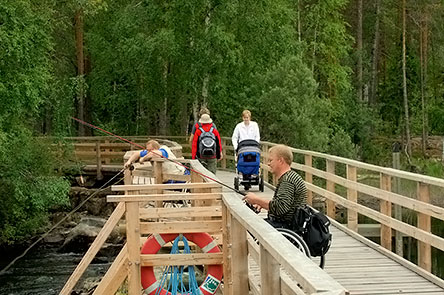 The accessible Neitikoski trail is suitable for everyone. Photo: Heikki Räsänen