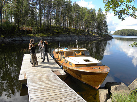 Motor boating is restricted in Linnansaari National Park for conservational reasons. Photo: Elina Enho