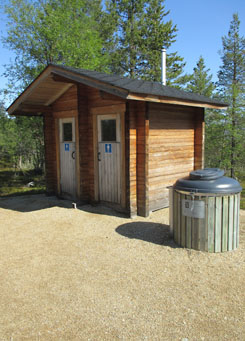 There is a drytoilet at the parking area. Photo: Tuija Kangasniemi