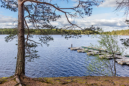 There is a boat pier at Lake Matildajärvi. Photo: Jari Kostet