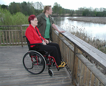 Lookout platform on the shore of the bird lake. Photo: Tiina Niikkonen