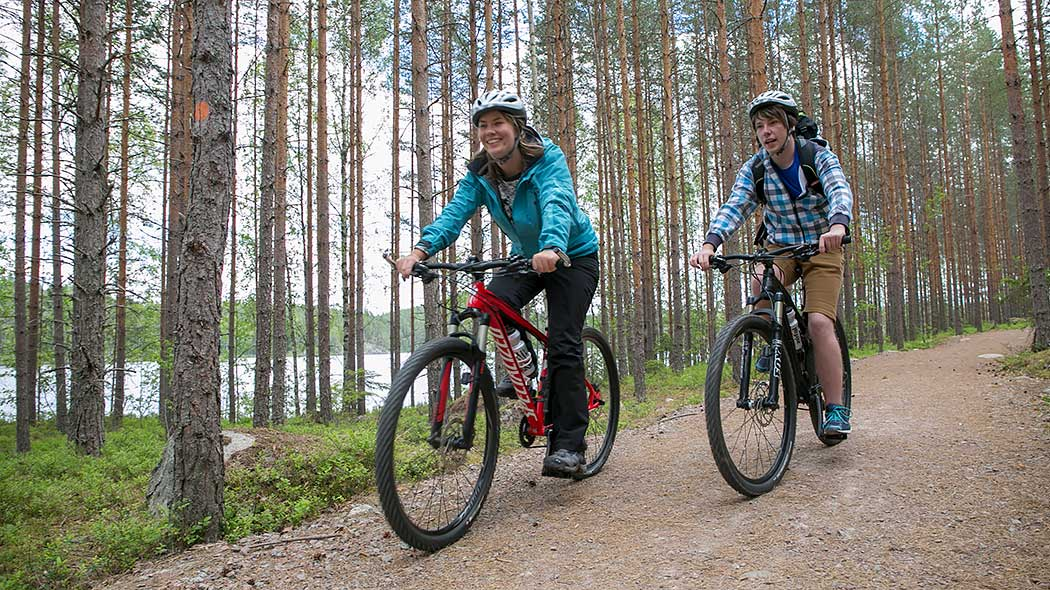 Biking in Repovesi National Park. Photo: Saara Olkkonen