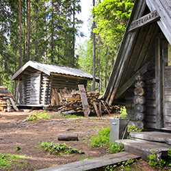 Sortovaara resting place. A Woodshed in the background.