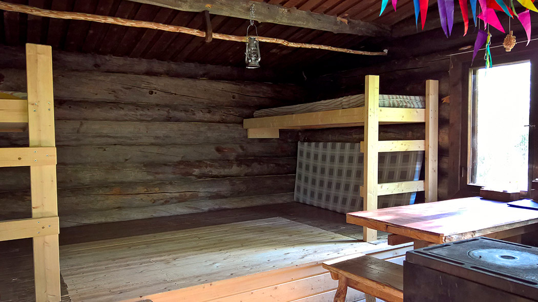 In the hut there is sleeping places on also bunkbeds.