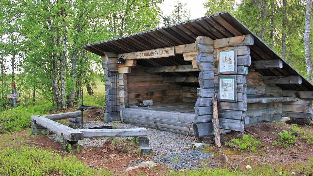 There are 5 lean-to shelters along the Telatie trail. Photo: Maarit Kyöstilä.