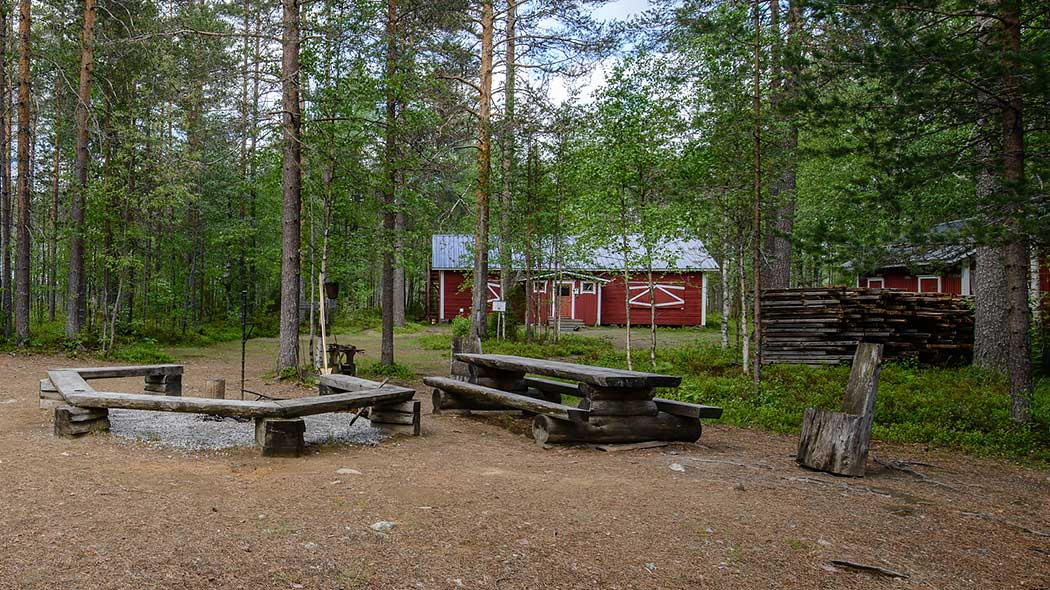 Uiton kämppä rental hut is intended for summer time use of organised group outdoor tours. Photo: Marko Haapalehto