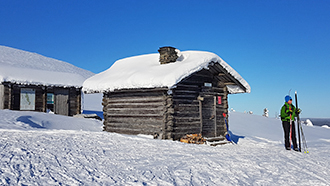Guidelines for Using Wilderness Huts in Winter. Photo: Tapani Mikkola.