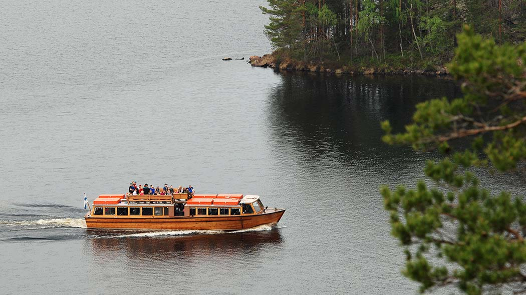 A wooden water bus M/S Tuuletar II. Photo: Mari Laukkanen