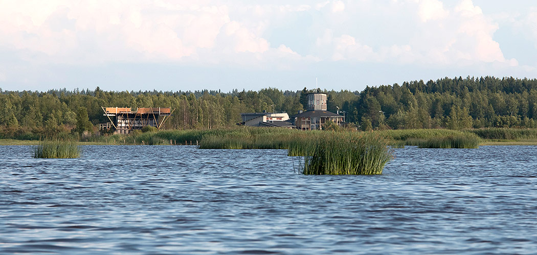 Liminka Bay Visitor Centre and Virkkula Birdwatching Tower. Photo: Erkki Toppinen.